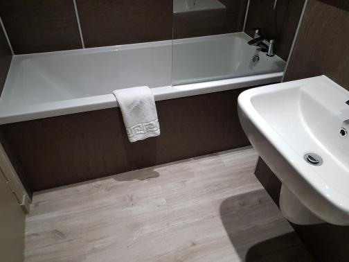 Bath Standard Twin